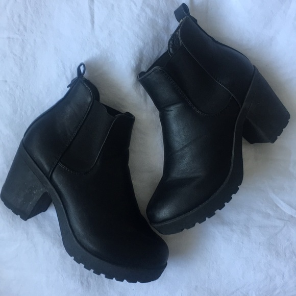 4c75eedaaa9 Truffle Collection ASOS Chunky Heel Ankle Boot